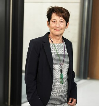 Helga Ecker